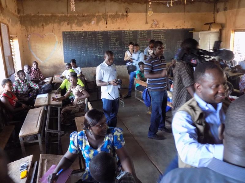 Les membres des bureaux de vote sont en formation.