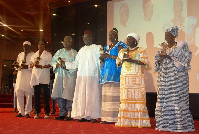 Une vue des lauréats des trophées d'honneur