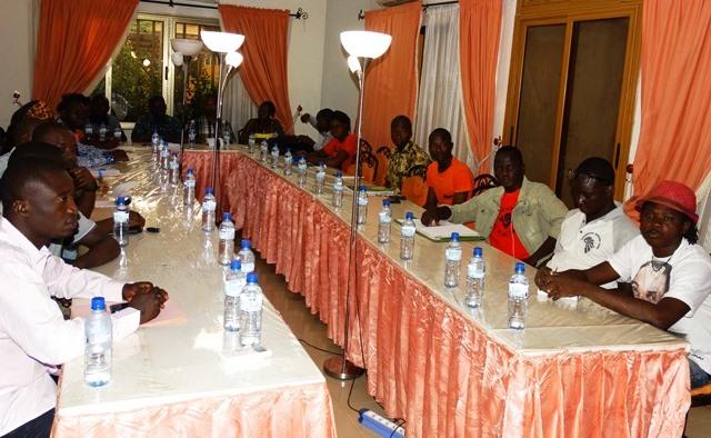 Des jeunes membres d'organisation de la société civile présents pour la formation de 72 heures