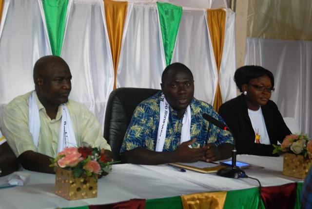 Le Président de Conseil d'administration, Professeur Seni Ouédraogo (milieu)