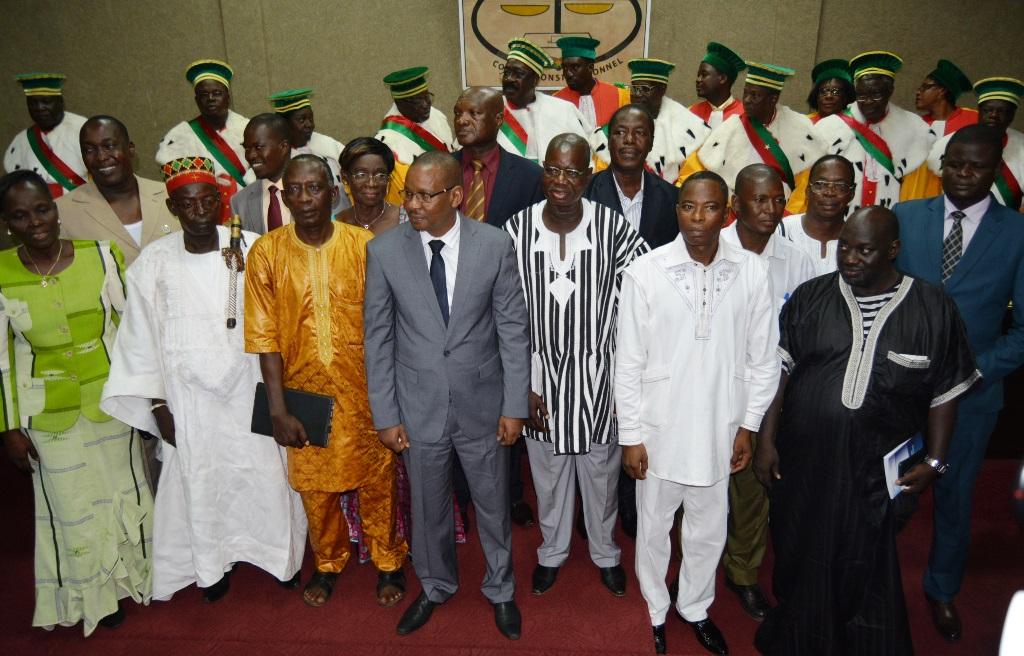 Ici, les commissaires de la CENI en compagnie des membres du Conseil constitutionnel - ©Burkina 24