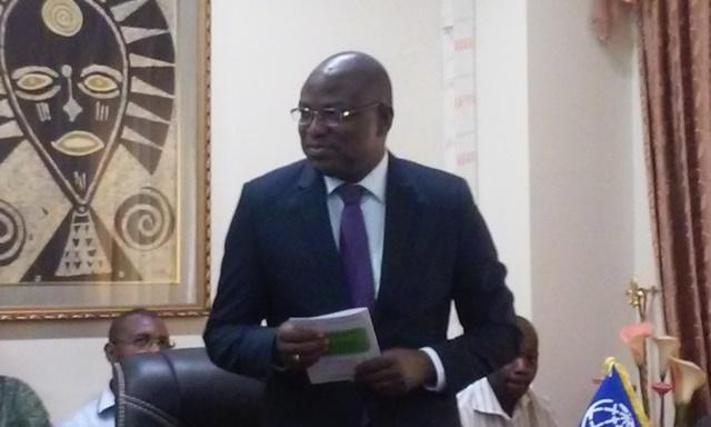 Le ministre des Infrastructures, Eric Bougouma