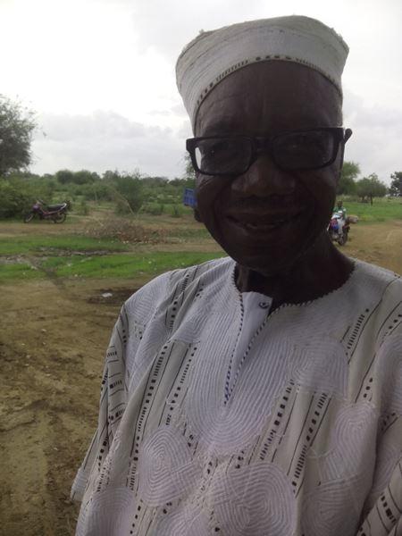 Dr vétérinaire Célestin Ouandaogo venu de Ouagadougou pour aider à la réalisation de l'ouvrage