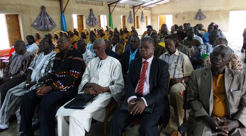 Les responsables d'établissements présents à la cérémonie d'ouverture du premier conseil des chefs d'établissements de l'Eglise des Assemblées de Dieu