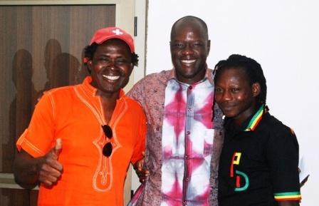 bam-raady-a-gauche-sest-felicite-du-soutien-du-president-de-ladf-rda-aux-artistes-musiciens-burkinabe