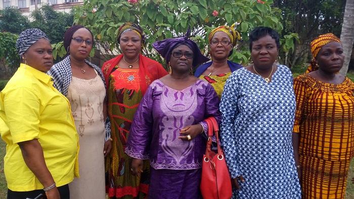 Lamoussa OUEDRAOGO-SINAN et ses plus proches collaboratrice au sein de la Coalition des Femmes Leaders de la Diaspora Burkinabè en Côte d'Ivoire.