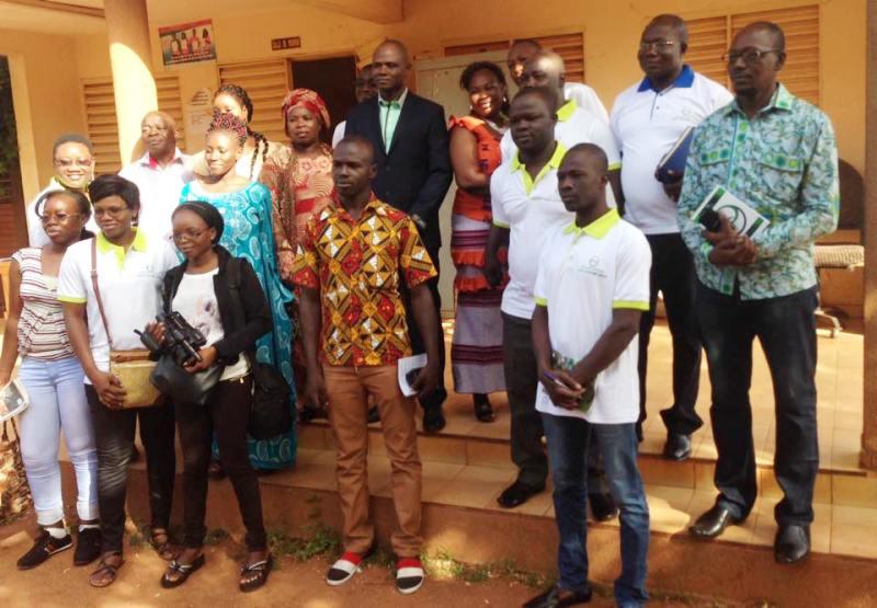Photo de famille avec le nouveau Maire de Kaya.