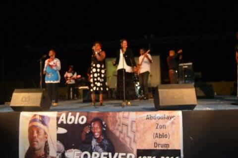 Les artistes ont rendu hommage à Ablo Zon - © Burkina24