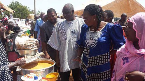 La Gouverneure Nandy Somé / Diallo suivie de Karim Séré, chargé de programme à Oxfam Burkina