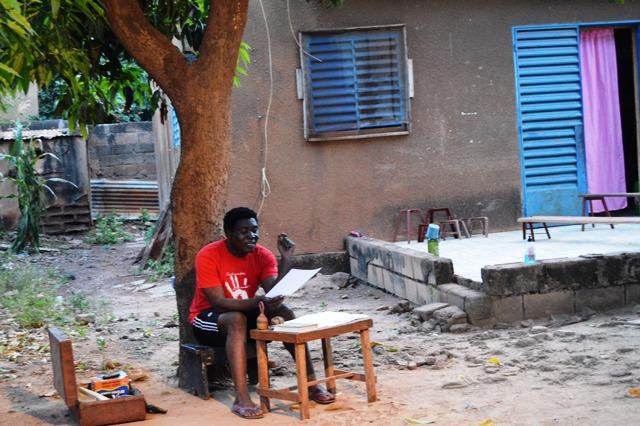 Etienne-minoungou-en-repetition-dans-la-famille-sib