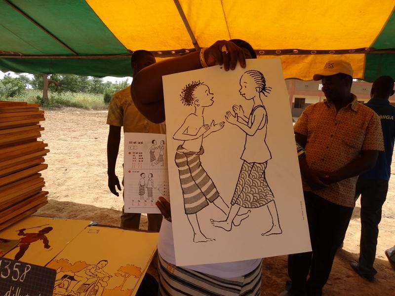 Les instituteurs du Bam et du Sanmatenga n'auront plus à dessiner au tableau © Burkina24