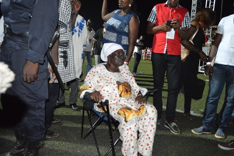 A 87 ans et logeant à Réo, Germaine Battiono a tenu à venir voir son idole - © Burkina24