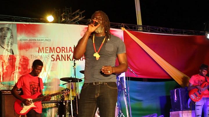 Tiken Jah a chanté pour les martyrs - © Burkina24
