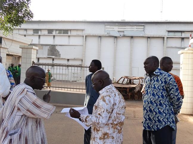 Le ministre de la sécurité est arrivé sur le site de l'ancienne Assemblée nationale