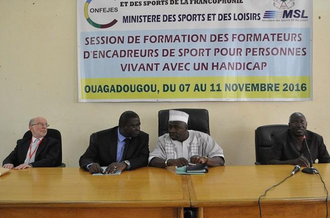 Selon Alexandre Yougbaré (2e à partir de la gauche), la cause des personnes vivant avec un handicap est une affaire d'État
