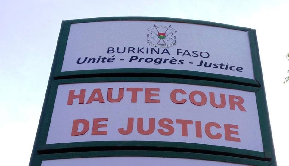 Haute cour de justice la loi modificative recueille le for Haute justice