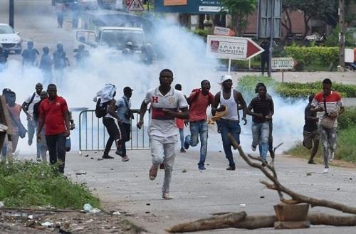 Affrontements entre policiers et étudiants à Abidjan — Côte d'Ivoire