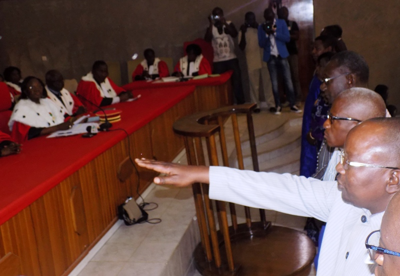 Haute cour de justice les juges parlementaires install s for Haute justice