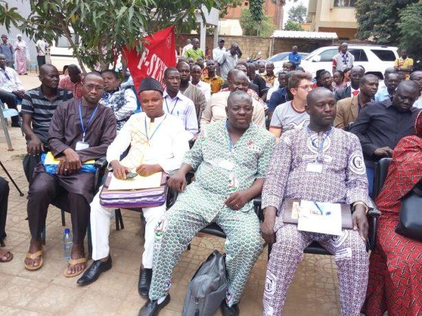 des représentants des centrales syndicales du Bénin, de la Côte d'ivoire, du Mali, du Niger