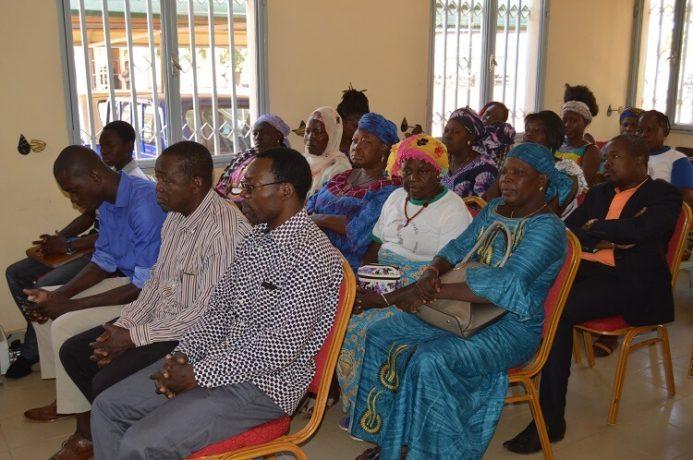 « leadership et participation citoyenne des femmes pour une contribution à la consolidation de la paix sociale ».