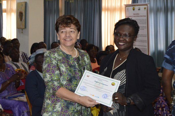 remise des attestations à des associations de défenses de lutte contre les MGF