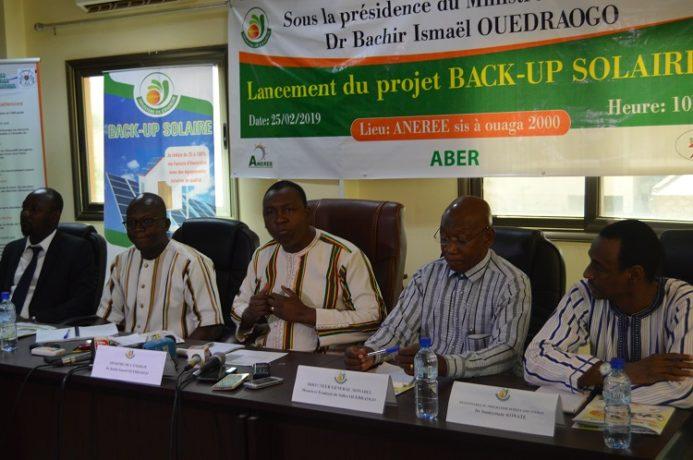 Cérémonie de lancement du projet Back -up solaire